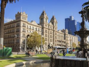 AIRASIA FLIGHT FROM KUALA LUMPUR TO MELBOURNE - The Hotel Windsor